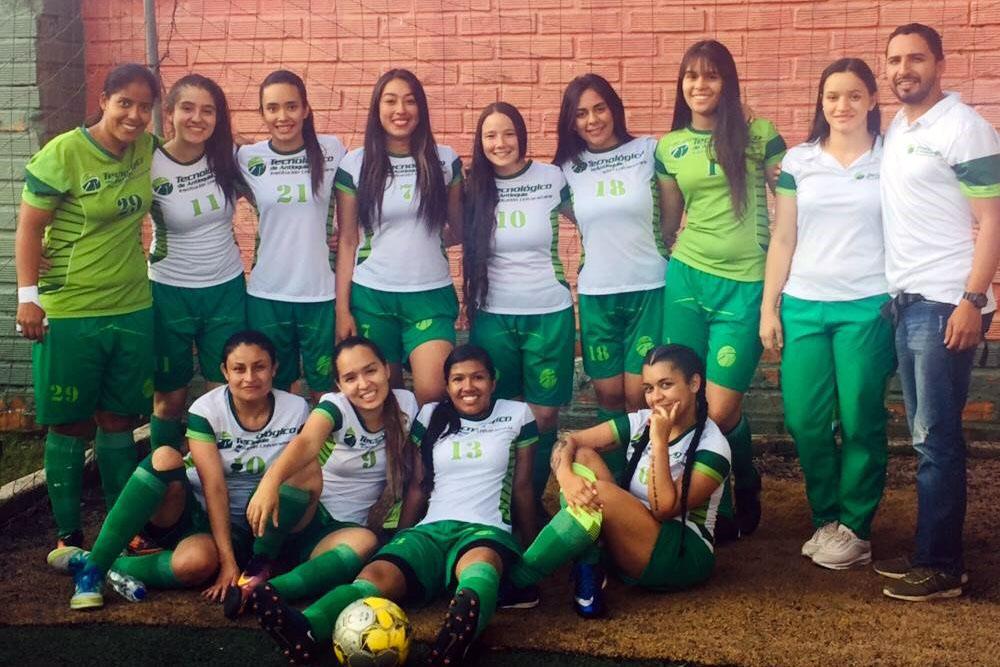 Selección de fútbol femenino